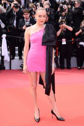 "Chloe Sevigny – ""Once Upon a Time in Hollywood"" Red Carpet at Cannes Film Festival"