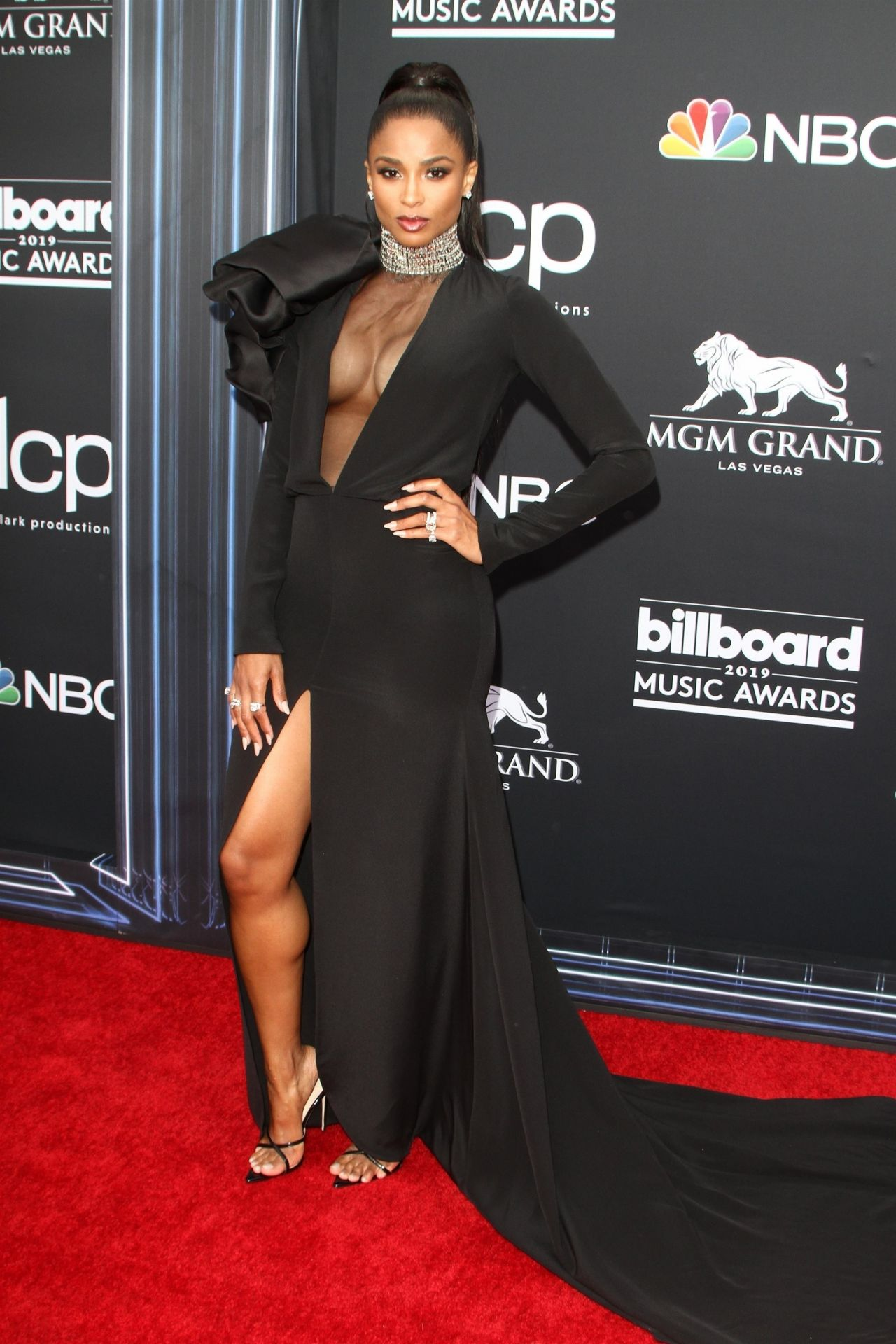 Ciara In Instyle Magazine April 2019 Issue: 2019 Billboard Music Awards
