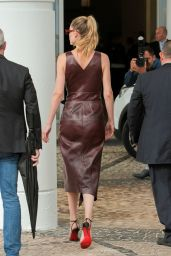 Doutzen Kroes - Out on the Croisette in Cannes 05/20/2019