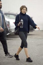 Elizabeth Olsen in Leggings - LA 05/10/2019