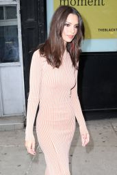 "Emily Ratajkowski - Outside ""The Tonight Show Starring Jimmy Fallon"" in NYC 05/23/2019"