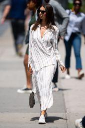 Emily Ratajkowski Street Style - Manhattan in New York 05/24/2019