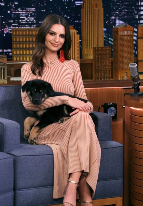 "Emily Ratajkowski with Colombo on ""The Tonight Show Starring Jimmy Fallon"" in NYC 05/23/2019"