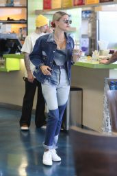 Hailey Rhode Bieber and Justin Bieber at Earthbar in West Hollywood 05/30/2019