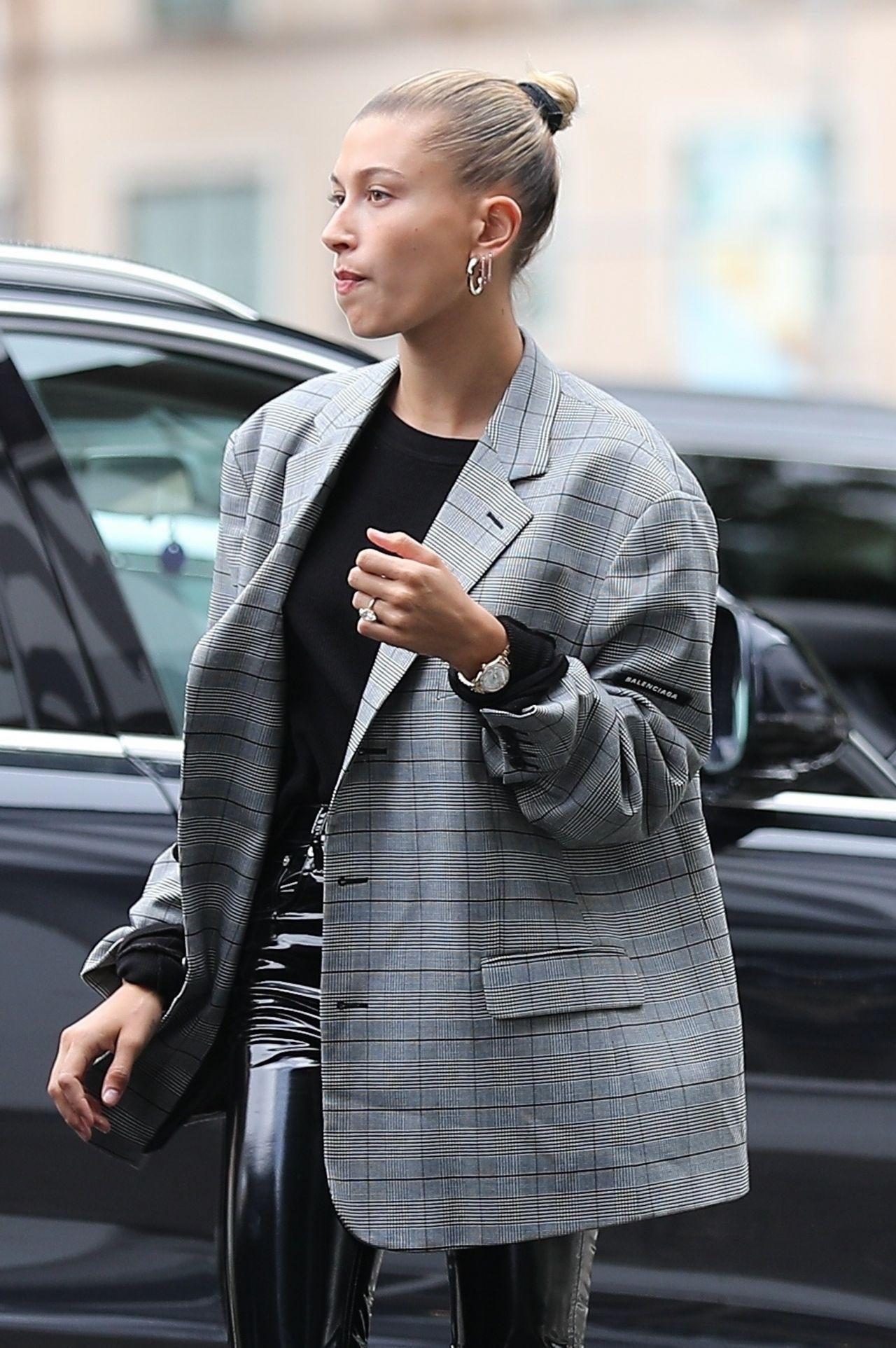 Hailey Rhode Bieber Street Style 05 16 2019