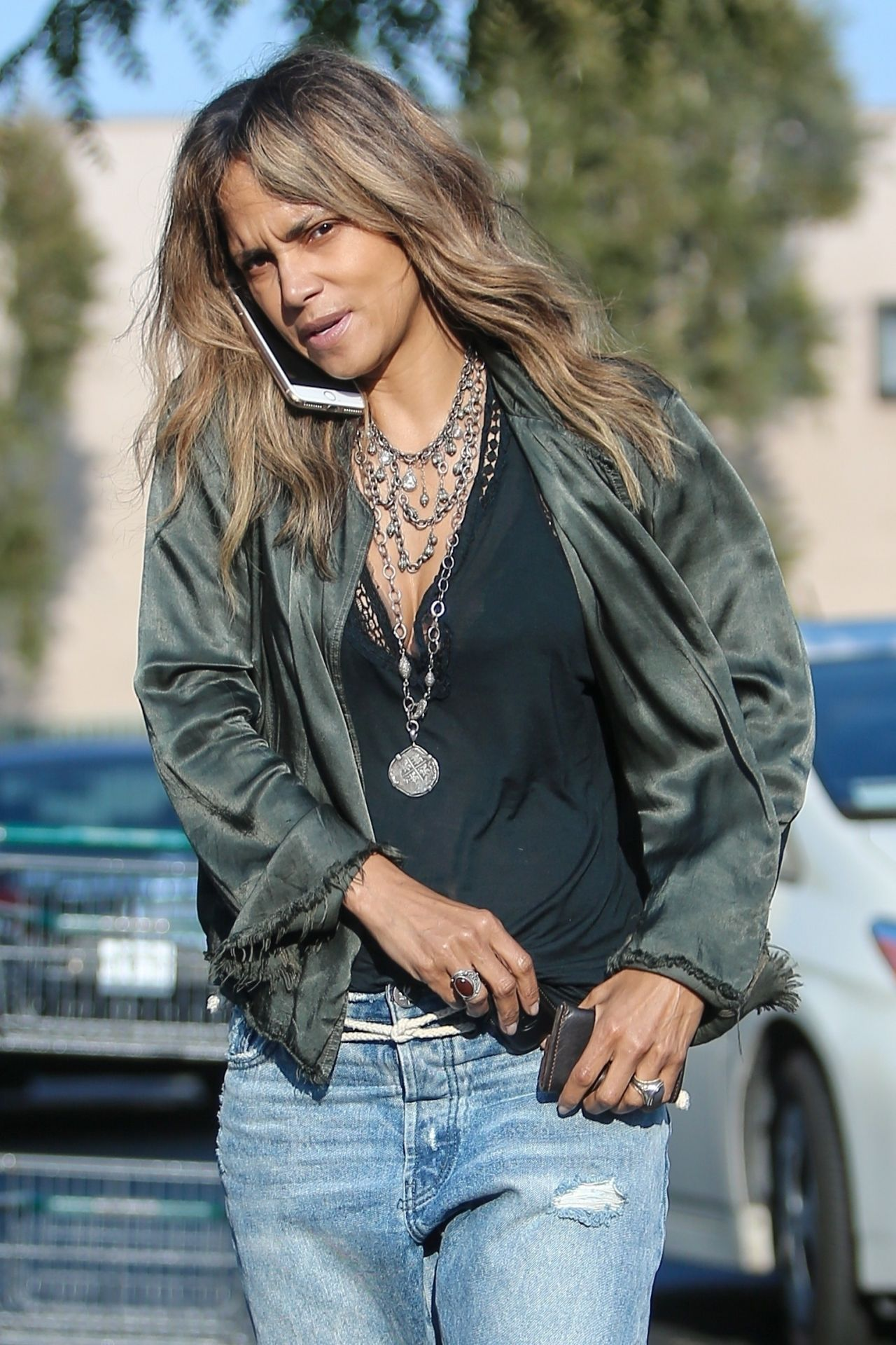 Halle Berry in Ripped Jeans 05/13/2019 • CelebMafia