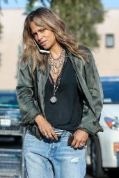 Halle Berry in Ripped Jeans 05/13/2019