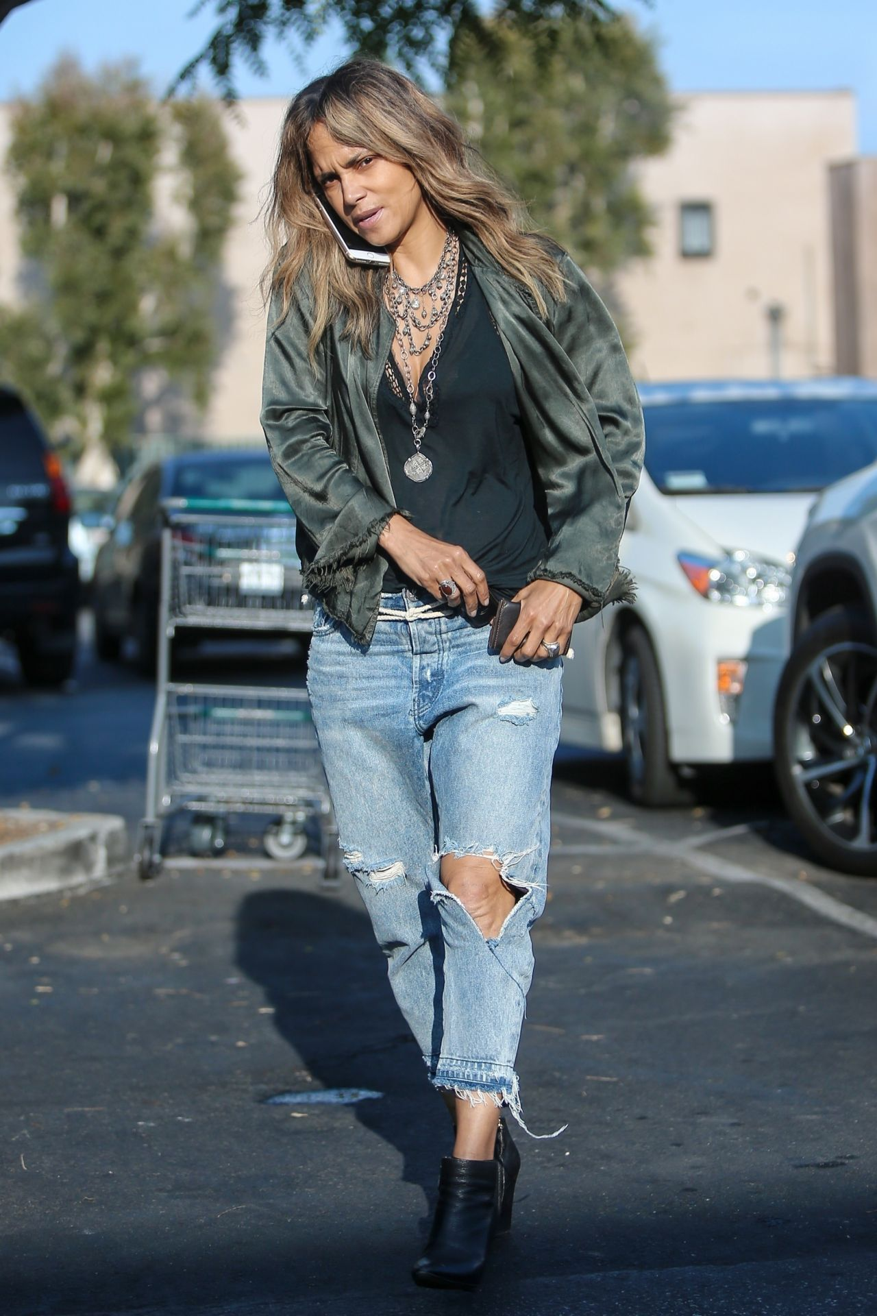 • Jeans Ripped Halle in Berry CelebMafia 05/13/2019
