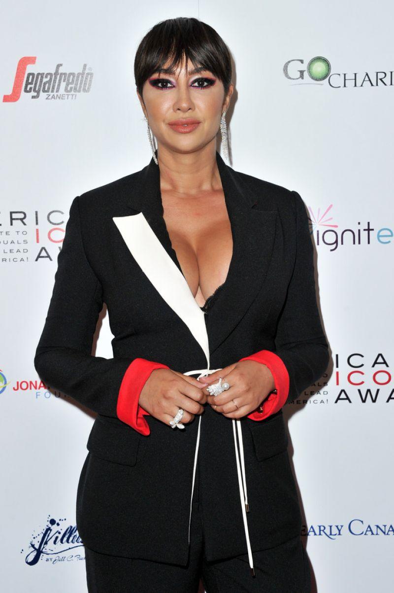 Jackie Cruz American Icon Awards 2019