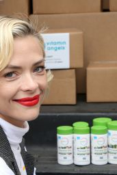Jaime King - Teams Up With Rainbow Light and Vitamin Angels To Help Women in Need in LA 04/30/2019