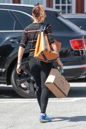 Jennifer Garner in Tights - Shopping in Brentwood 05/01/2019