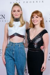 "Jessica Chastain and Sophie Turner – ""Dark Phoenix"" Fan Photocall in London"