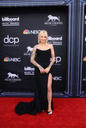 Julia Michaels – 2019 Billboard Music Awards