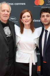 Julianne Moore - MasterCard Conversation Photocall in Cannes  05/14/2019