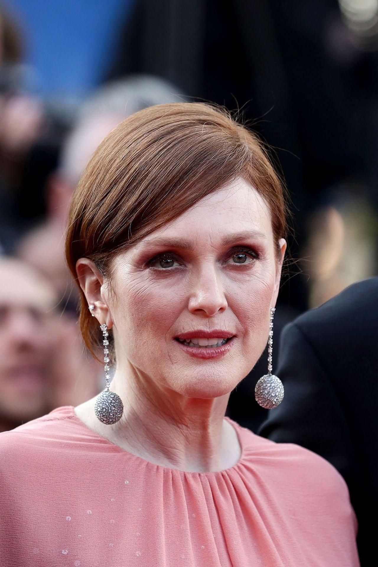 "Julianne Moore – ""Rocketman"" Red Carpet at Cannes Film ..."