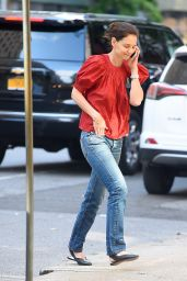 Katie Holmes On Her Phone - NYC 05/28/2019
