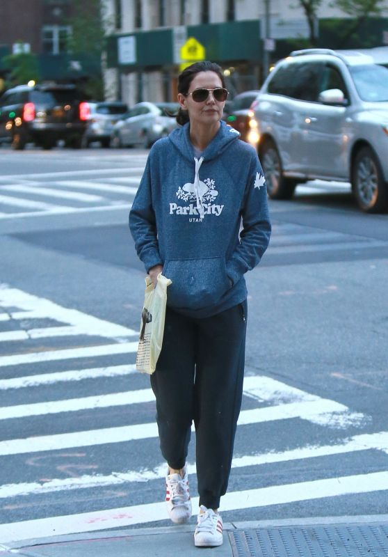 Katie Holmes - Out in NYC 05/07/2019