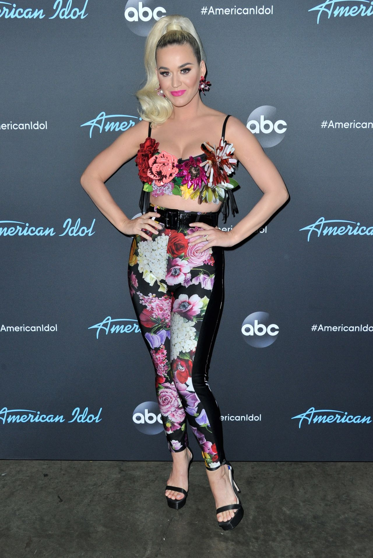 katy-perry-american-idol-top-5-show-in-l
