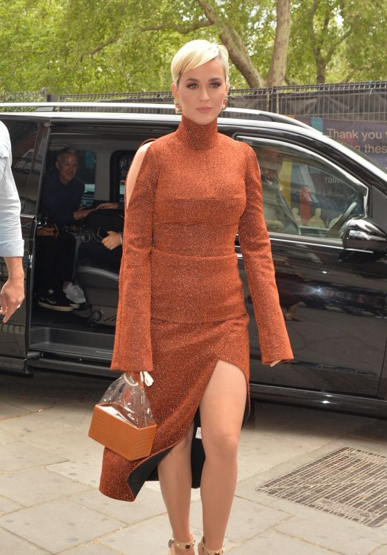 Katy Perry Shows Off Her Eclectic Style - London 05/02/2019
