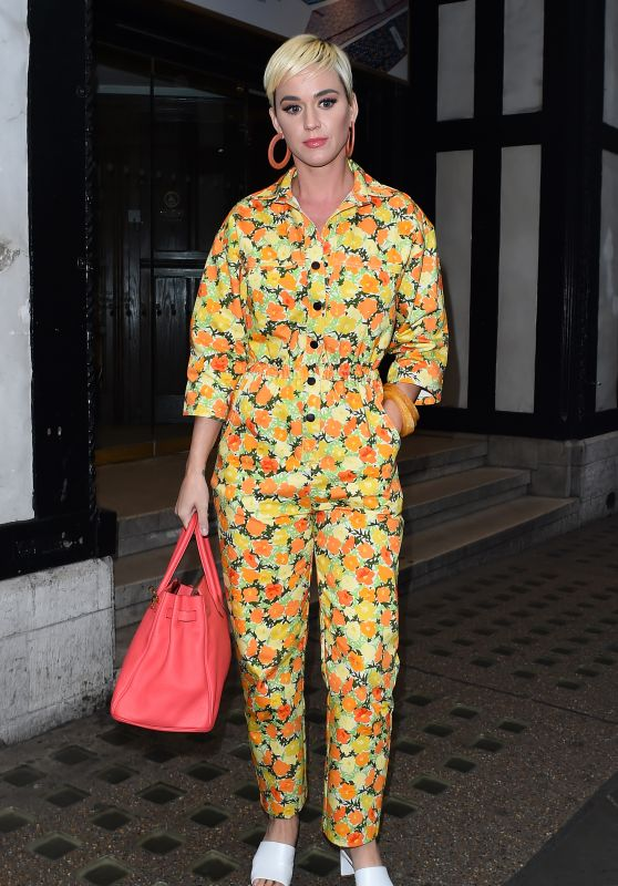 Katy Perry Street Fashion - London 05/01/2019