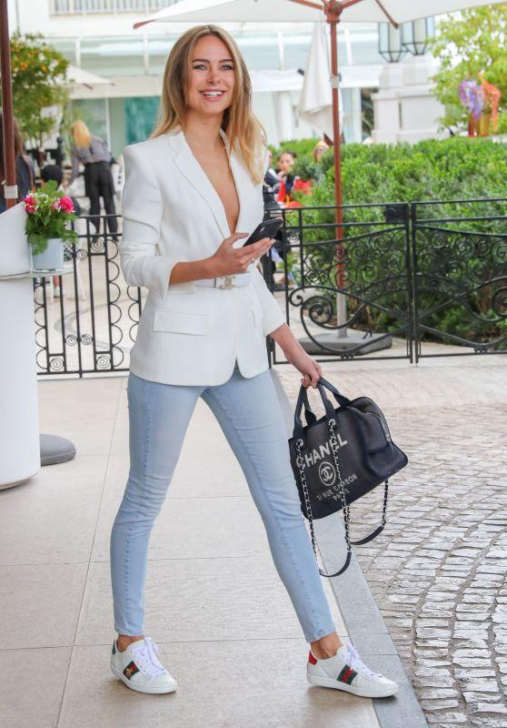 Kimberley Garner Cute Style – Martinez Hotel in Cannes 05/21/2019