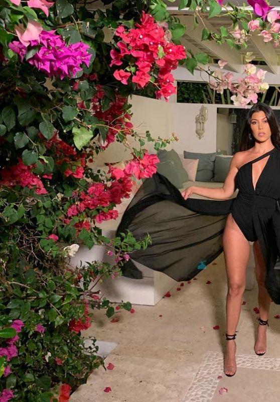 Kourtney Kardashian - Personal Pics 05/19/2019