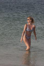 Laura Anderson in Bikini 05/12/2019