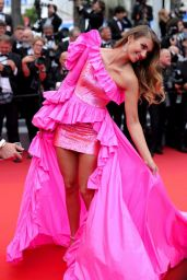 """Lorena Rae – """"Oh Mercy!"""" Red Carpet at Cannes Film Festival"""