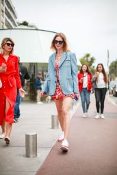 Natalie Vodianova on the Croisette in Cannes 05/19/2019