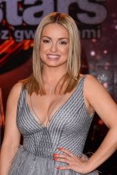 Ola Jordan - Dancing with the Stars Final in Poland 05/17/2019
