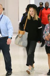 Olivia Wilde in Travel Outfit - JFK Airport in NYC 05/21/2019