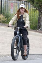 Patsy Palmer - Bike Riding in Malibu 05/23/2019