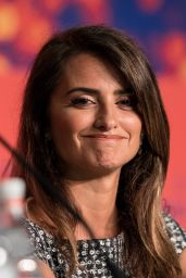 """Penelope Cruz - """"Pain and Glory"""" Press conference at Cannes Film Festival"""