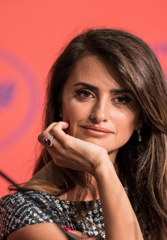 "Penelope Cruz - ""Pain and Glory"" Press conference at Cannes Film Festival"