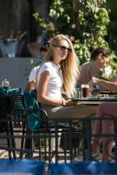 Romee Strijd - Terrace of the Martinez Hotel in Cannes 05/14/2019