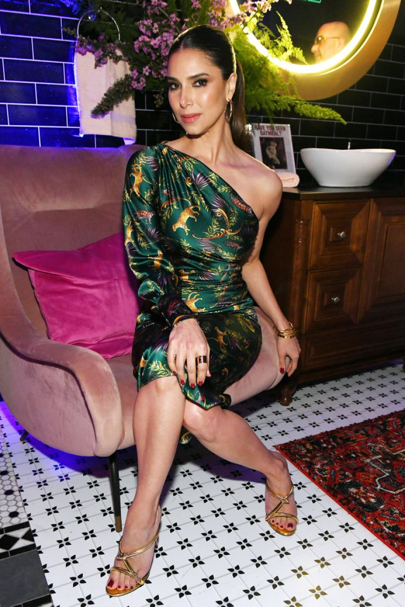 Roselyn Sanchez Ew Amp People New York Upfronts Party 05