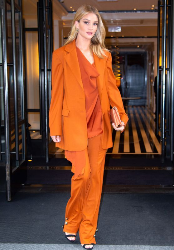 Rosie Huntington-Whiteley Fashion - NYC 05/03/2019