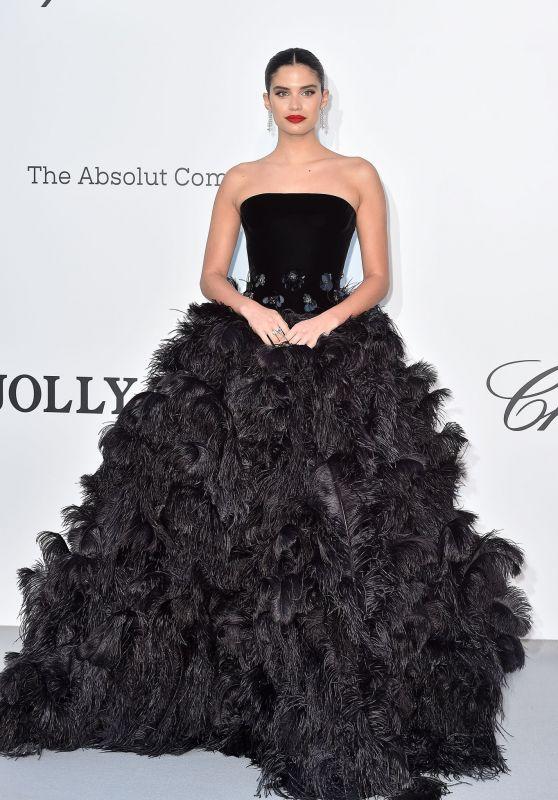 Sara Sampaio – amfAR Cannes Gala 2019