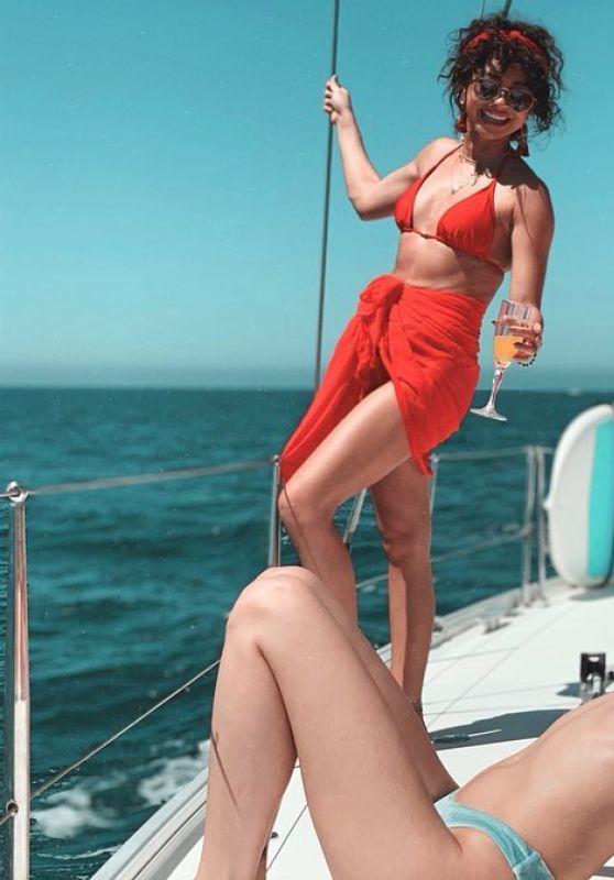Sarah Hyland - Personal Pics 05/08/2019