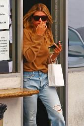 Sofia Richie - Leaving a Medical Building in Beverly Hills 05/21/2019
