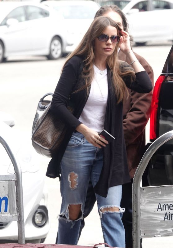 Sofia Vergara at LAX in LA 05/02/2019