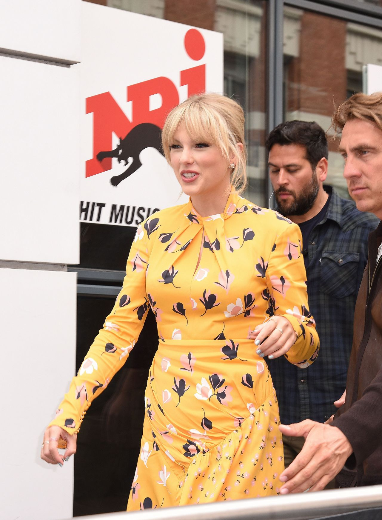 Taylor Swift Arriving At Nrj Radio Station In Paris 05