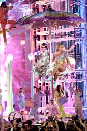 Taylor Swift Performs at the 2019 Billboard Music Awards