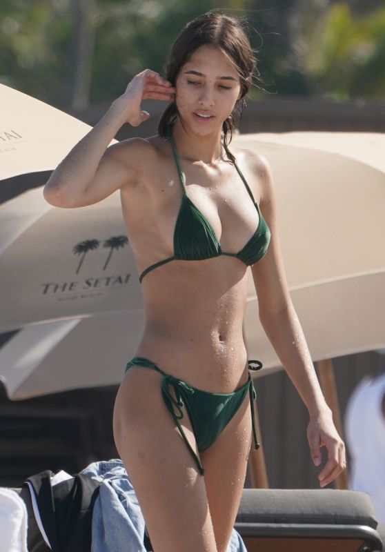 Yasmin Wijnaldum in a Green Bikini at the Beach in Miami Beach 05/11/2019