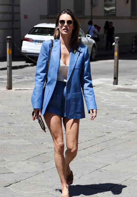 Alessandra Ambrosio Street Style - Out in Florence 06/13/2019
