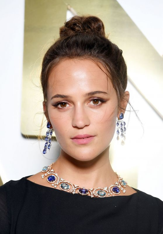 Alicia Vikander – Bvlgari Hight Jewelry Exhibition in Capri 06/13/2019