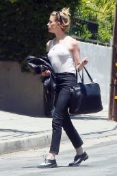 Amber Heard Street Style - Outside Her House in LA 06/09/2019