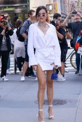 Bella Thorne - Poses Outside Buzzfeed in NY 06/14/2019