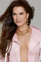 Brooke Shields – Photoshoot For Stella Magazine's 01/20/2019 Issue (more pics)