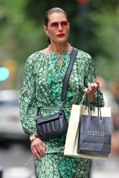 Brooke Shields - Shopping in NYC 06/07/2019